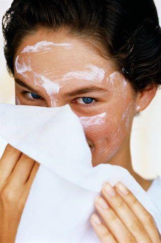 Maskeni hazırlarken.  •Kullandığın bütün malzemelerin temiz olmasına,  •Kullandığın sebze ve meyvelerin olgun olmasına,  •Hazırladığın maskeyi hemen tüketmeye,  •Göz çevresinden uzak tutmana,  Özen göster!